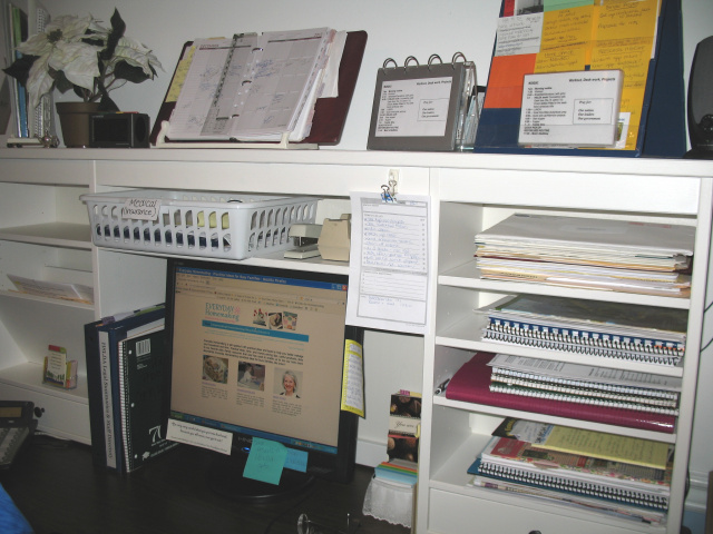 Desktop Organization -- Everyday Homemaking