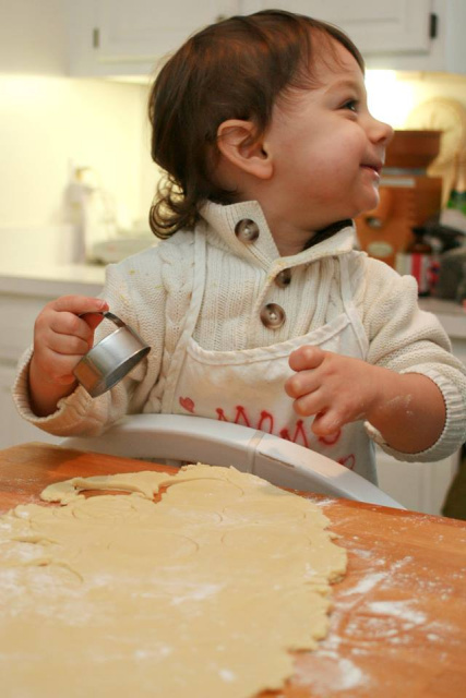 Baking Sugar Cookies -- Everyday Homemaking