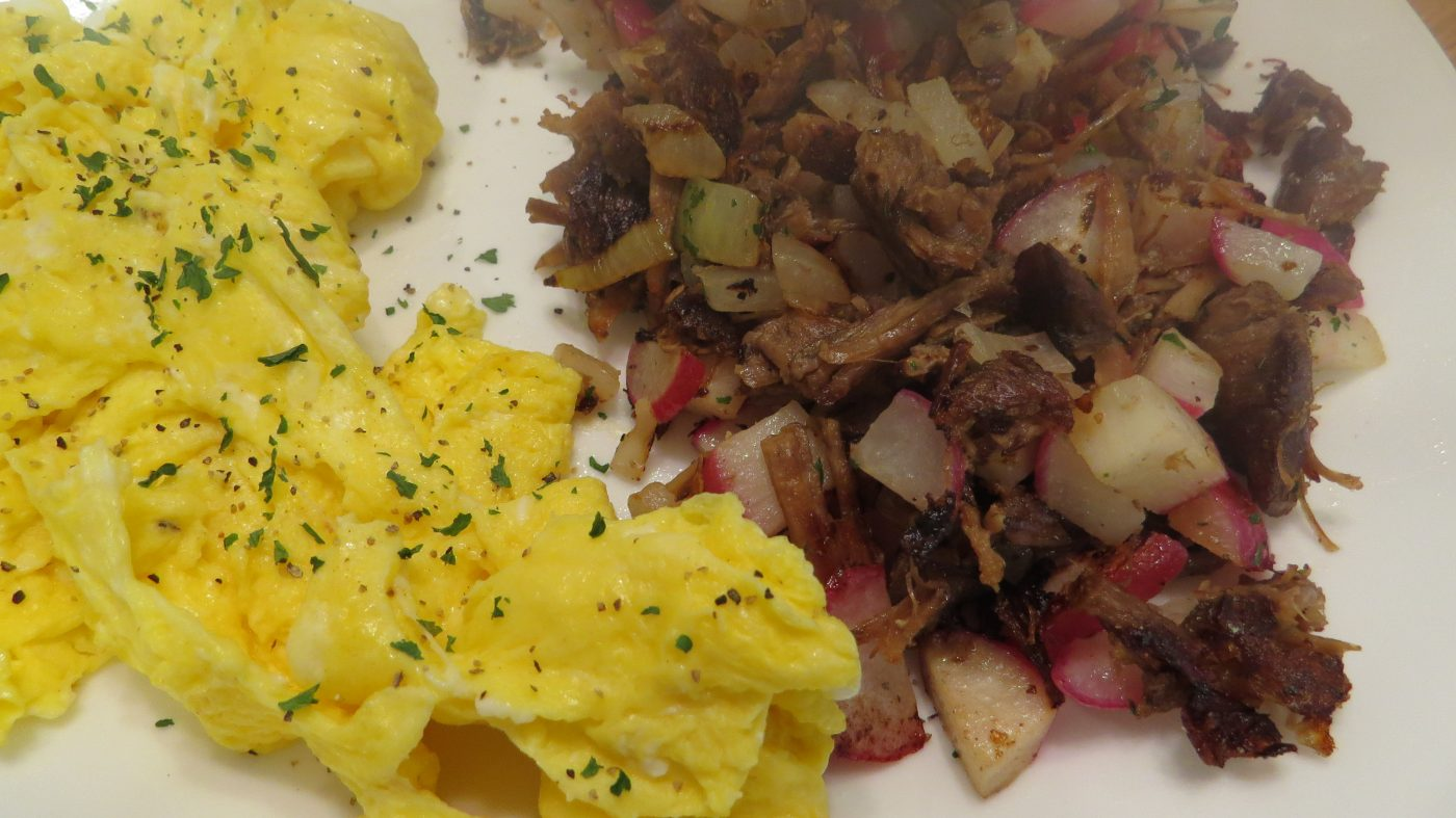 scrambled eggs with radish and beef hash